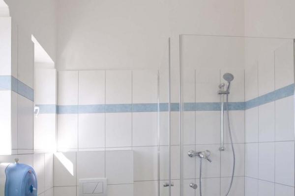 toaleta98BF7743-44D9-2CF3-940A-7BB8A49E7DF9.jpg